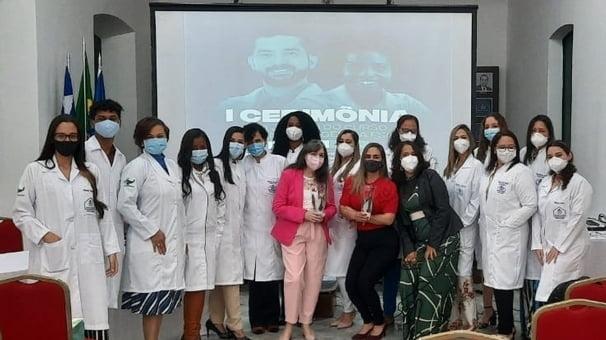 Faculdade Santa Casa realiza cerimônia do jaleco para alunos de Fisioterapia e Enfermagem